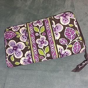 NWOT Vera wallet